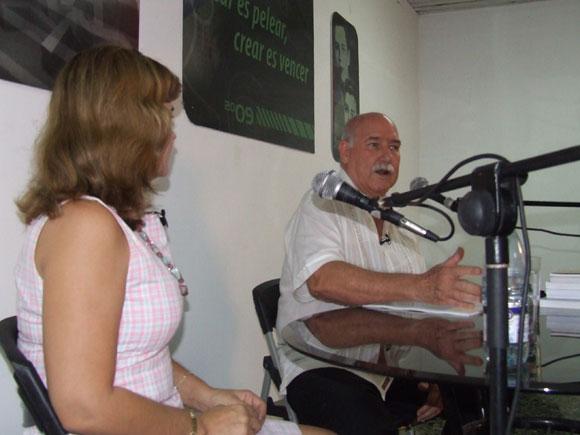 Reynaldo González en el espacio Encuentros de Arte en la Rampa. Foto: Marianela Dufflar