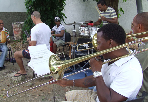 Músicos de Adalberto Álvarez ensayando. Foto: Marianela Dufflar