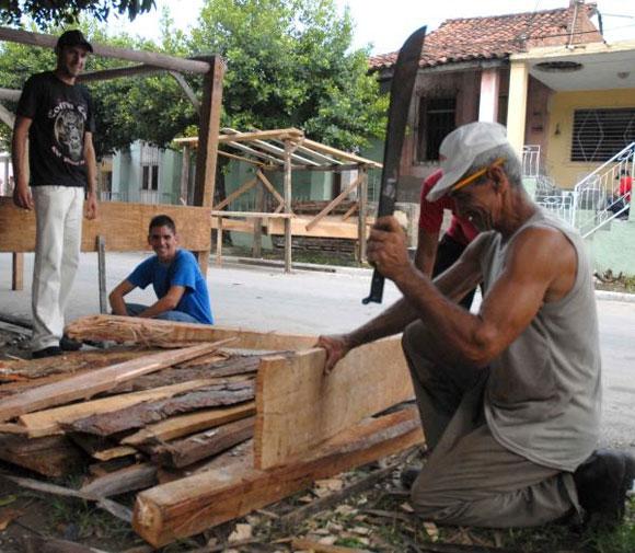 Preparativos en la ciudad de Sancti Spíritus, el 20 de julio de 2010, para los festejos del tradicional Santiago espirituano AIN Foto: Oscar ALFONSO SOSA