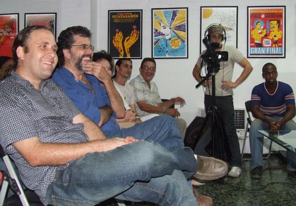 El ministro de cultura Abel Prieto asistió al Encuentro con la trovadora Sara González. Foto: Marianela Dufflar