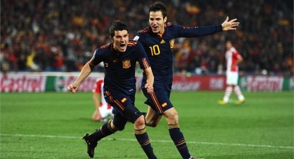 villa-celebra-gol-contra-paraguay