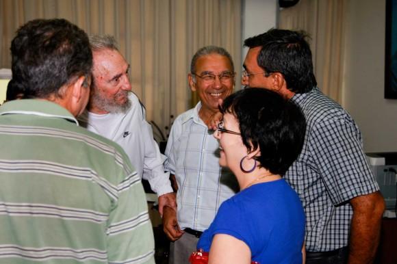 Visita del Comandante en Jefe Fidel Castro al CENIC. Foto: Alex Castro