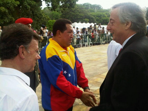 Otro protagonista de este día. El pdte Kirchner junto al ministro Rodriguez