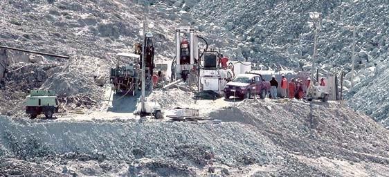 La perforación para rescatar a los mineros está en marcha. Foto: Mercurio