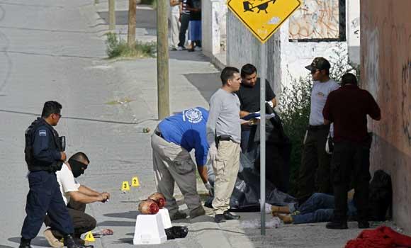 Dos cabezas en plena calle: el horror de la guerra del narcotráfico en México. Foto: Archivo