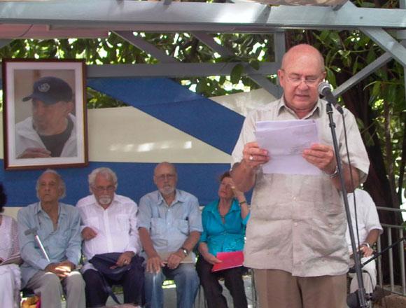 Miguel Barnet abrió el espacio de lecturas de los peotas. Foto: Marianela Dufflar