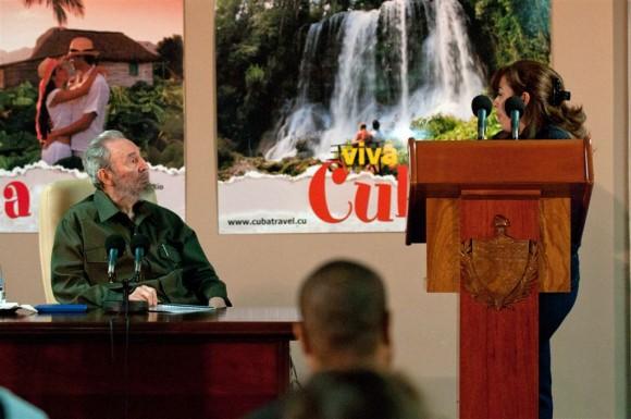 """La jefa de la Brigada """"Moto Méndez"""" comenta detalles de la experiencia vivida en Bolivia. Foto: Roberto Chile"""