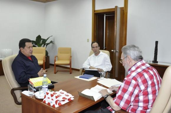Chávez, Fidel y Polanco. Foto: Estudios Revolución