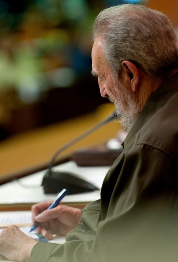 Fidel en la Asamblea. Foto: Roberto Chile