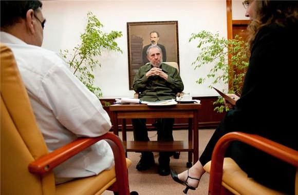 Fidel Castro con periodistas venezolanos. Foto: Roberto Chile