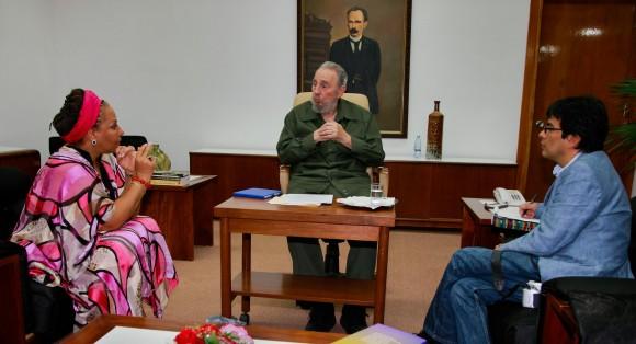Fidel con la senadora colombiana Piedad Córdoba y su ayudante Danilo Rueda