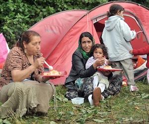 Alcaldes de Francia atizan el fuego del racismo contra gitanos y nómadas