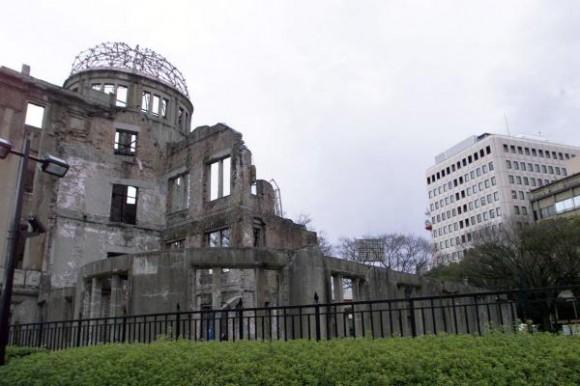 6 de agosto de 2010, aniversario 65 de Hiroshima, primera masacre atómica de la Humanidad. Cúpula de la Bomba Atómica, único edificio que quedó en pie tras el bombardeo atómico de los Estados Unidos sobre la ciudad de Hiroshima, en Japón, en 1945, se ubica en el Parque Memorial de la Paz, como recordatorio de la catástrofe. AIN FOTO ARCHIVO/Pablo PILDAIN