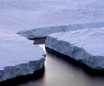 Isla de hielo gigante se desprende de Groenlandia, según un informe