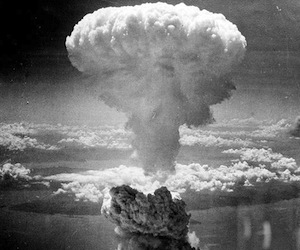 Estudio revela que cáncer de tiroides se disparó tras bombardeos atómicos de EEUU