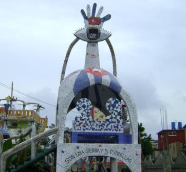 Monumento a los Cinco de José Fuster