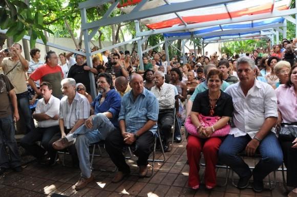 """""""Con 2 que se quieran"""" en el Pabellón Cuba, de La Habana. Foto: Petí"""