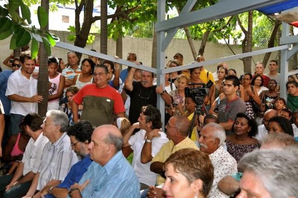 El público del Pabellón Cuba durante la presentación del DVI. Foto: Petí