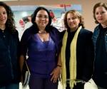 """Brigadistas de la """"Moto Méndez"""", con Marcia Cobas (segunda de izquierda a derecha), viceministra de Salud Pública. Foto: Roberto Chile"""