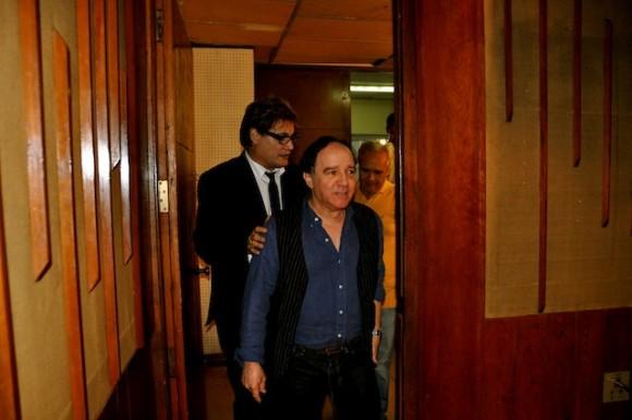 """Roberto Fabelo y Amaury Pérez en """"Con 2 que se quieran"""". Foto: Petí"""