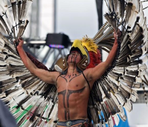Detalle de un performance durante el opening de la celebración de independencia en Ciudad de México. AFP
