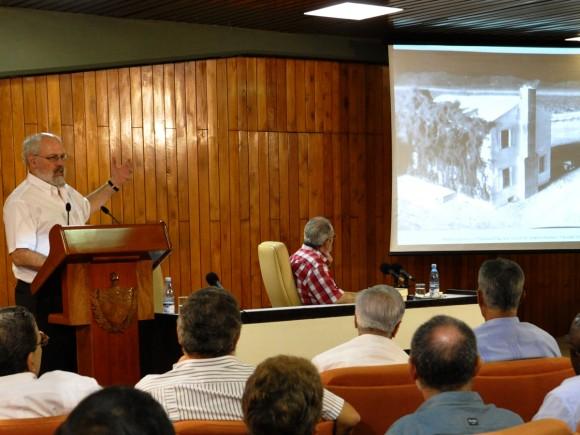 Conferencia de Alan Robock. Foto: Estudios Revolución