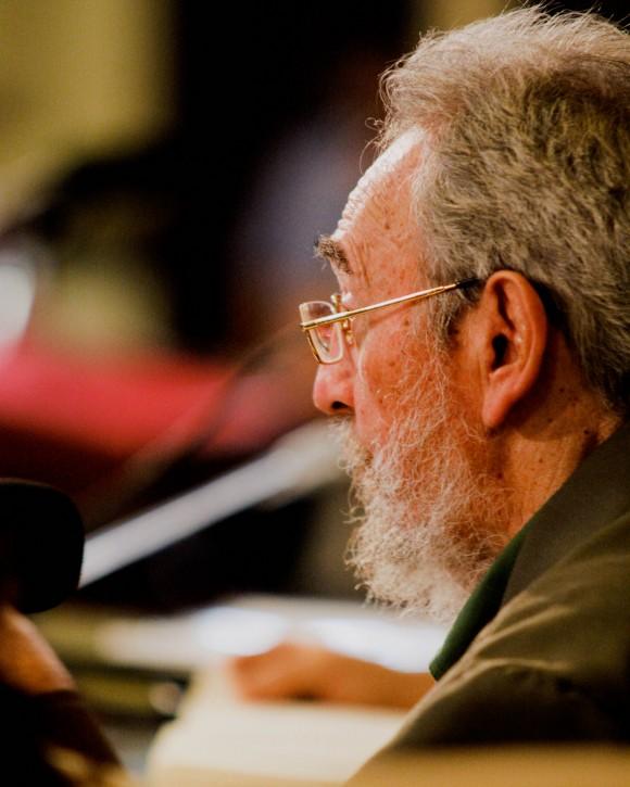 Fidel Castro en el Aula Magna de la Universidad de La Habana. Foto: Alex Castro