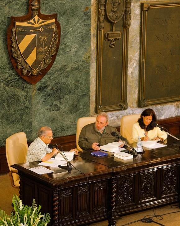 Alberto Alvariño, Fidel y Katiuska. Foto: Alex Castro