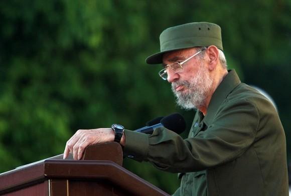 Fidel en la Universidad de La Habana. Foto: Ismael Francisco