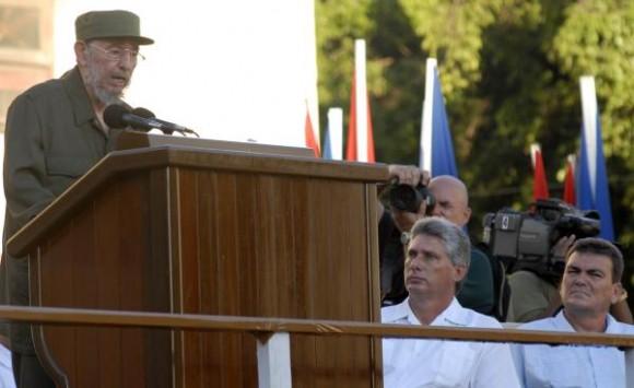 Intervención del Comandante en Jefe Fidel Castro ante estudiantes universitarios en la Escalinata de la Universidad de La Habana, el 3 de septiembre de 2010. AIN FOTO/Roberto MOREJON RODRIGUEZ