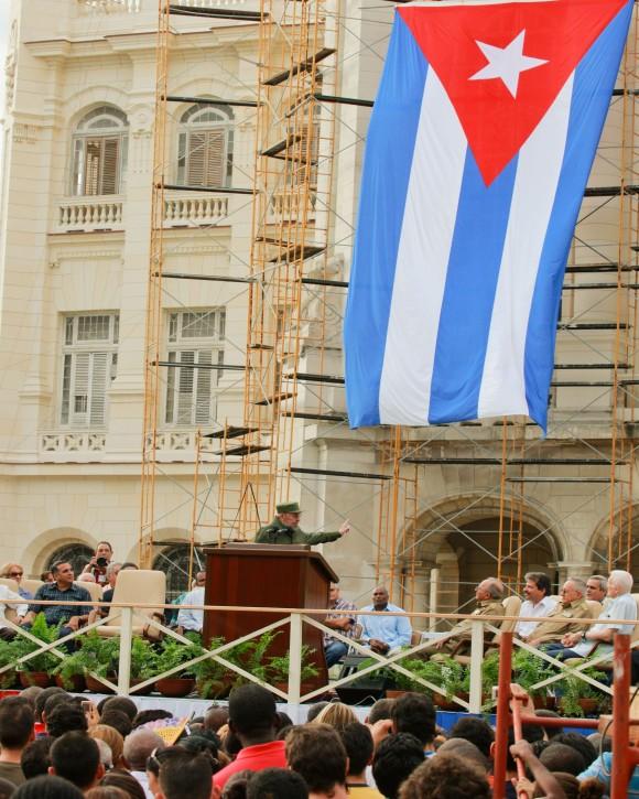 Fidel en el acto por el 50 aniversario de los CDR. Foto: Alex Castro