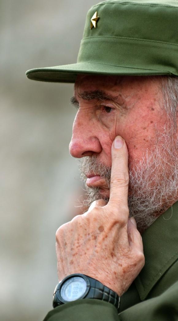 Fidel en el acto por el aniversario de los CDR. Foto: Roberto Chile