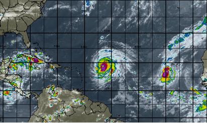 Imagen de satélite que muestra los tres ciclones tropicales.