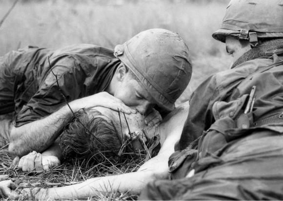 La guerra es un infierno Foto: AP/ Henri Huet