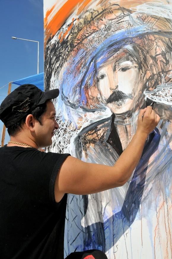 Li Domínguez. Mural por la paz de la Brigada Martha Machado. Foto: Roberto Chile