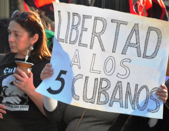 manifestacion-en-argentina-por-los-cinco-10