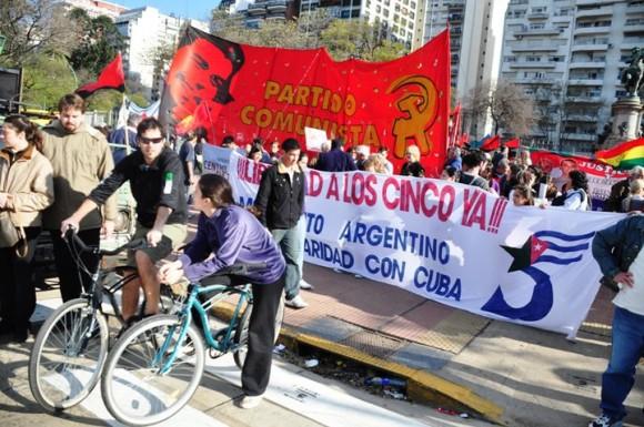 manifestacion-en-argentina-por-los-cinco-3