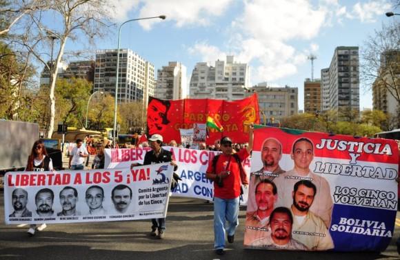 http://www.cubadebate.cu/wp-content/uploads/2010/09/manifestacion-en-argentina-por-los-cinco-4-580x377.jpg