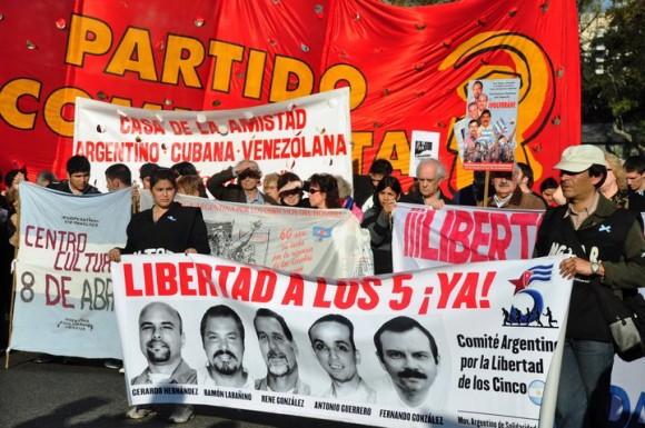 manifestacion-en-argentina-por-los-cinco-8