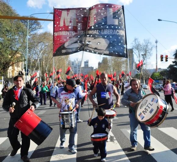 marcha-en-argentina-por-los-cinco-6