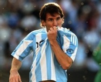 messi-en-el-juego-amistoso-contra-espana1-300x1681