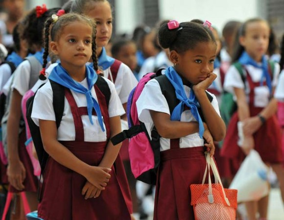 Comienza el curso escolar en Cuba. Foto: AFP