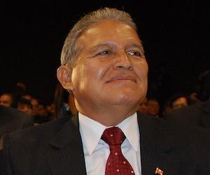 Multitudinaria demostración en apoyo a Sánchez Cerén y al FMLN en El Salvador