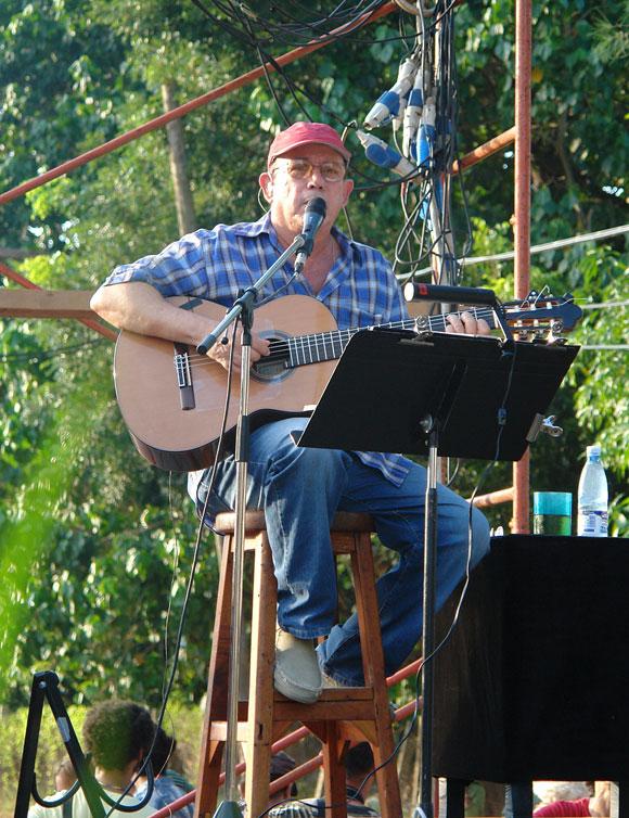 """Concierto de Silvio Rodríguez en el barrio """"La Corbata"""". Foto: Cubadebate"""