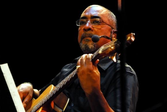 Silvio Rodríguez, concierto en el Teatro Lázaro Peña dedicado a Chile. Foto: Iván Soca