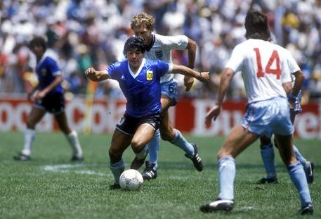 1986_arg_eng_maradona_457_es