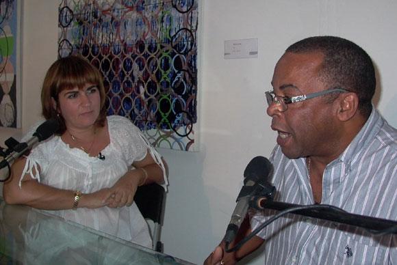 Adalberto Álvarez, El Caballero del Son, junto a Magada Resik, en el espacio Encuentro de la Asociación Hermanos Saíz. Foto: Marianela Dufflar