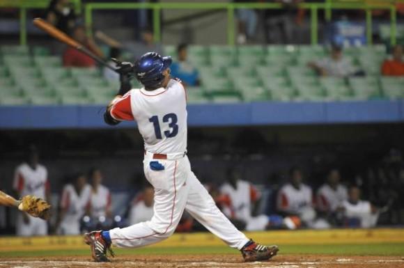 Cuba superó a Venezuela en tope amistoso Beisbol-2-580x385