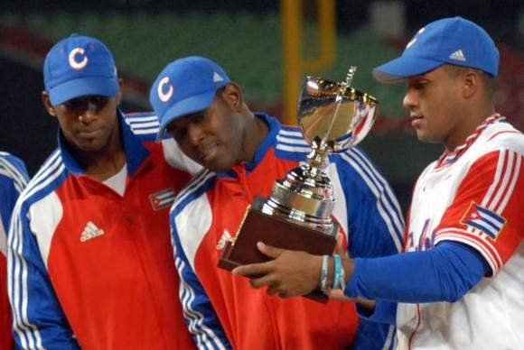 El equipo cubano se proclamo campeon de la XVII Copa Intercontinental de Beisbol 2010  , en Taichung, Taipei de China, el 31 de octubre de 2010. FOTO AIN /Marcelino VAZQUEZ HERNANDEZ