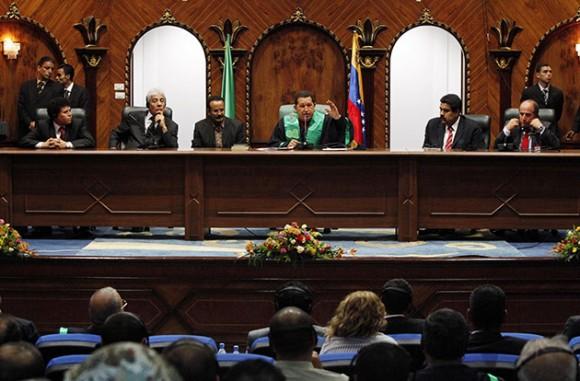 Conceden Doctorado Honoris Causa al presidente Chávez en la Academia de Trípoli